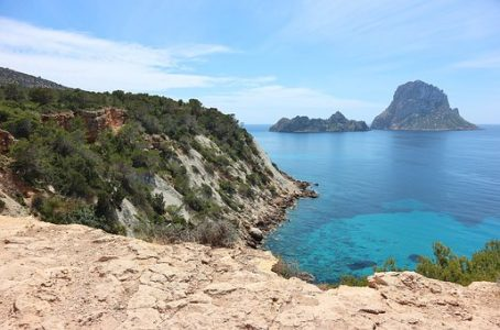 Crucero Ibiza, Formentera. Salida desde El Port Olimpic De Barcelona.